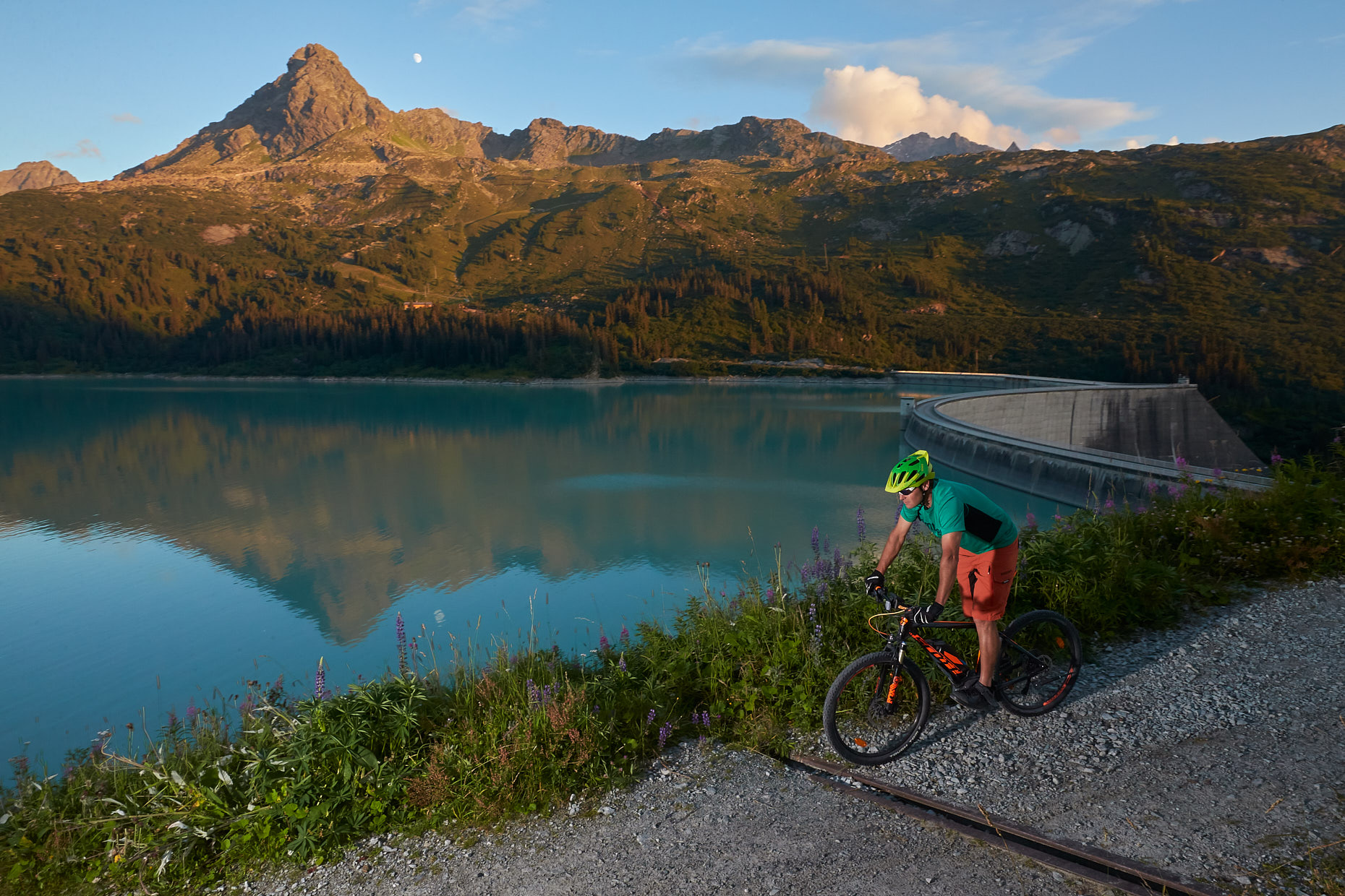 E-Bike MTB | Stefan Kuerzi Tourism Photography