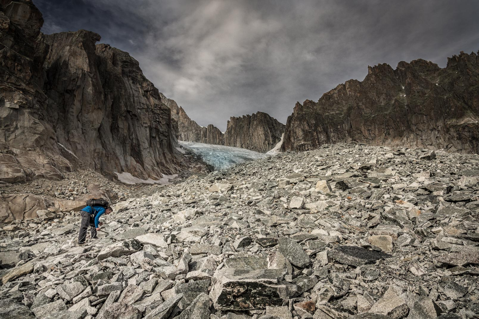 needle in a heystack | Stefan Kuerzi - Adventure Photography