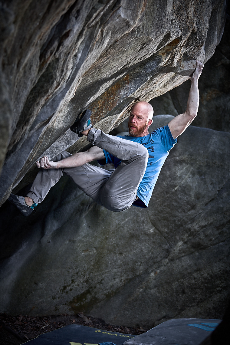 Bouldering General disarray | Stefan Kuerzi - Climbing Photography