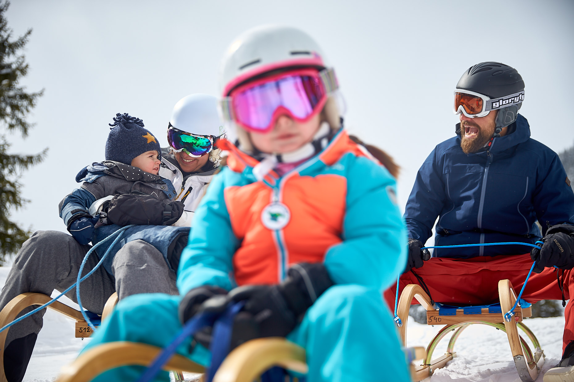 Winter Family activities | Stefan Kuerzi Tourism Photography