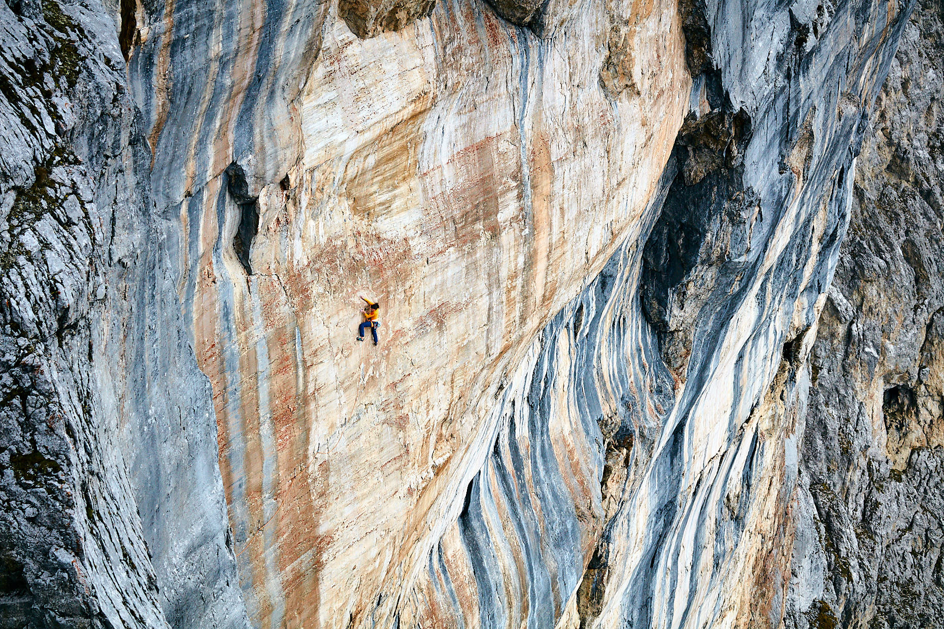 Headless Children | Stefan Kuerzi - Climbing Photography