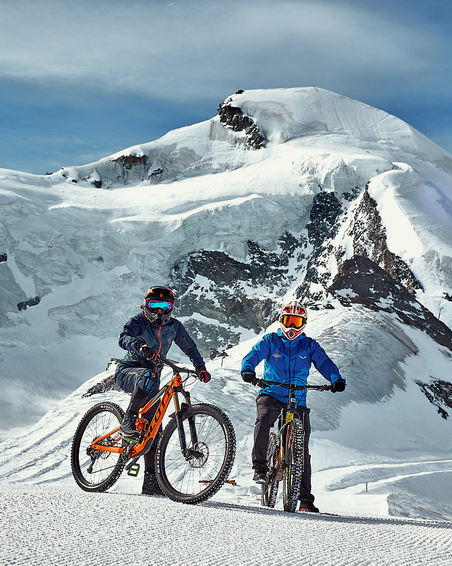 MTB Glacier Bike downhill | Stefan Kuerzi Portrait Photography