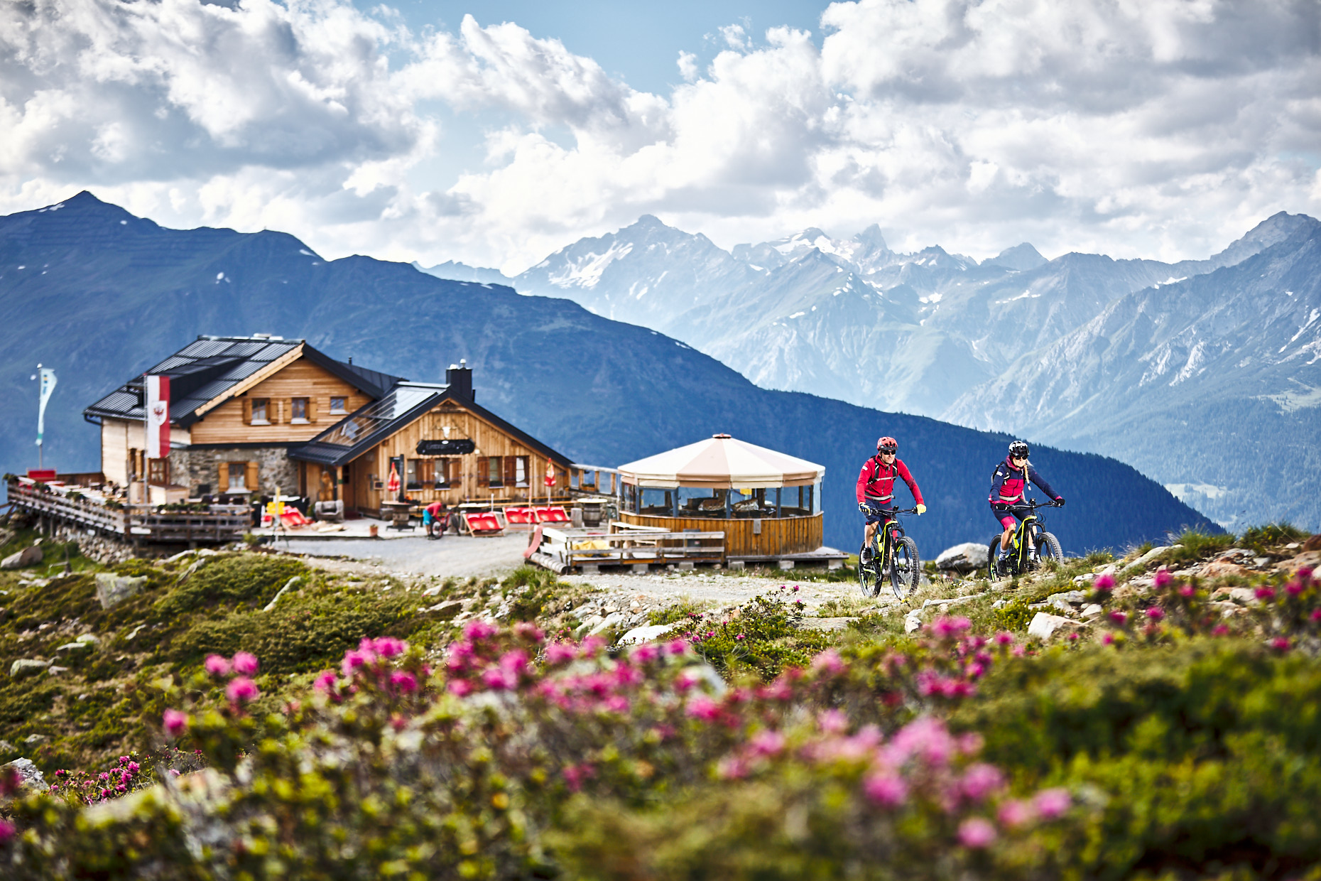 E-Biking to the hut | Stefan Kuerzi Tourism Photography